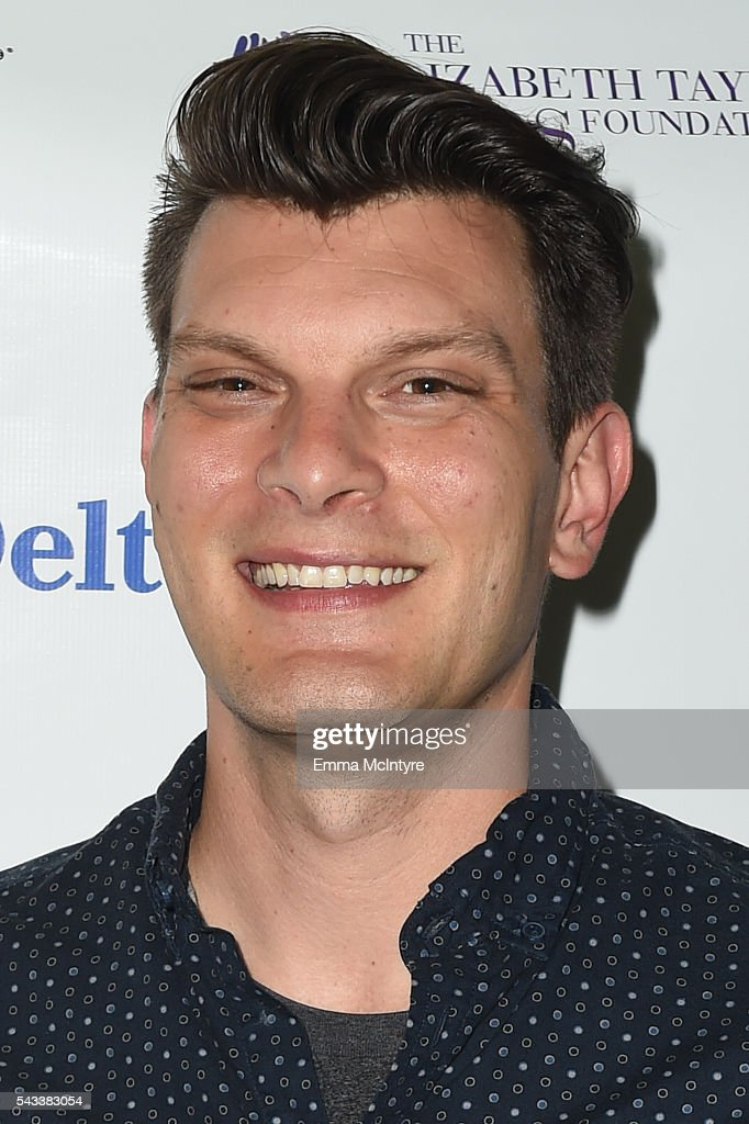 Actor/comedian Justin Martindale attends 'The Elizabeth Taylor AIDS Foundation Hosts HIV Testing' at The Abbey on June 27, 2016 in West Hollywood, California.