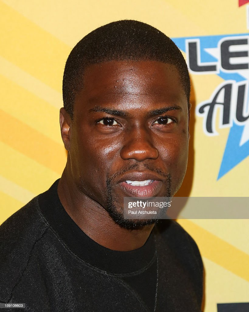 Actor/Comedian <a gi-track='captionPersonalityLinkClicked' href=/galleries/search?phrase=Kevin+Hart+-+Attore&family=editorial&specificpeople=4538838 ng-click='$event.stopPropagation()'>Kevin Hart</a> attends the 5th annual Chris Paul PBA All-Stars charity tournament at Lucky Strike Lanes at L.A. Live on January 7, 2013 in Los Angeles, California.