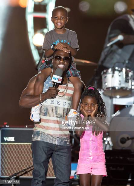 Actor/comedian Kevin Hart with son Hendrix Hart and daughter Heaven Lee Hart on stage during the 3rd annual Philly 4th of July Jam at Benjamin...