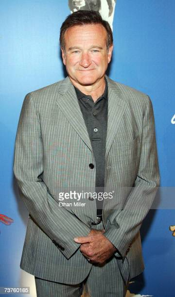 Actor/comedian Robin Williams arrives at the premiere of 'Monty Python's Spamalot' at The Grail Theater at the Wynn Las Vegas March 31 2007 in Las...