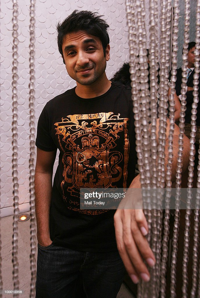 Actor-comedian Vir Das at the launch of Karan Bajaj's book Johnny Gone Down in New Delhi on May 18, 2010.