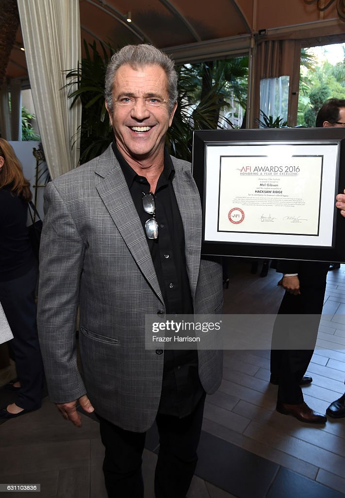 actordirector-mel-gibson-poses-with-award-during-the-17th-annual-afi-picture-id631103836