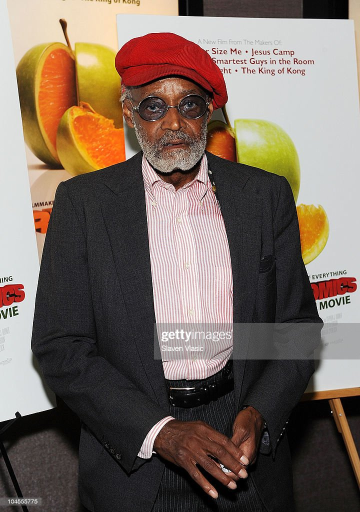 Actor/director <a gi-track='captionPersonalityLinkClicked' href=/galleries/search?phrase=Melvin+Van+Peebles&family=editorial&specificpeople=209389 ng-click='$event.stopPropagation()'>Melvin Van Peebles</a> attends the 'Freakonomics' premiere at Cinema 2 on September 29, 2010 in New York City.
