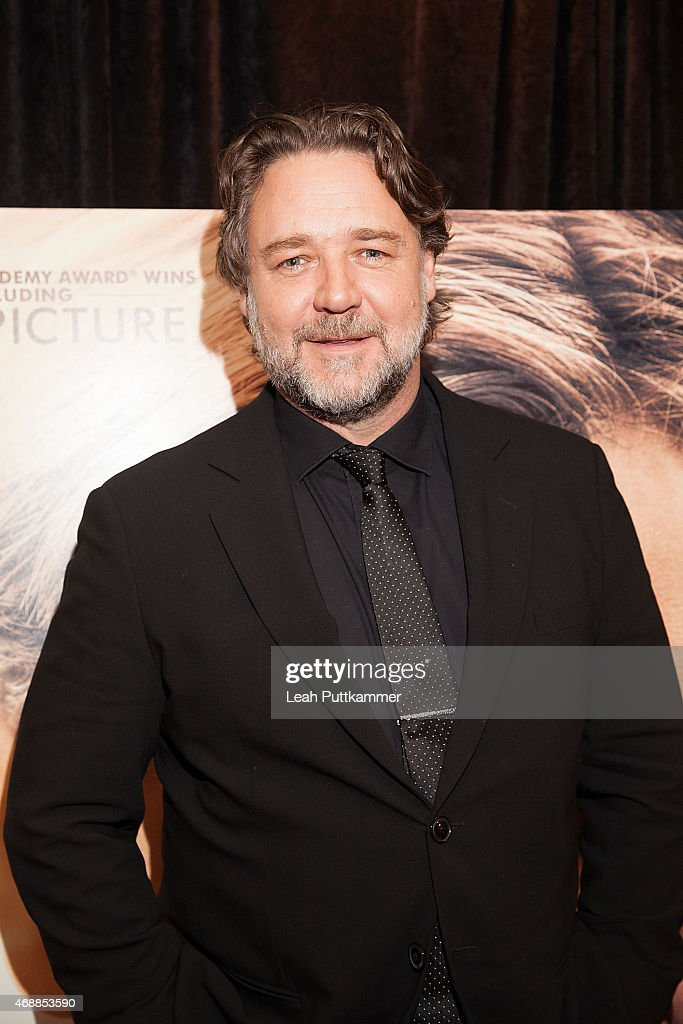 Actor/director <a gi-track='captionPersonalityLinkClicked' href=/galleries/search?phrase=Russell+Crowe&family=editorial&specificpeople=202609 ng-click='$event.stopPropagation()'>Russell Crowe</a> attends 'The Water Diviner' Premiere at Burke Theater at U.S. Navy Memorial on April 7, 2015 in Washington, DC.