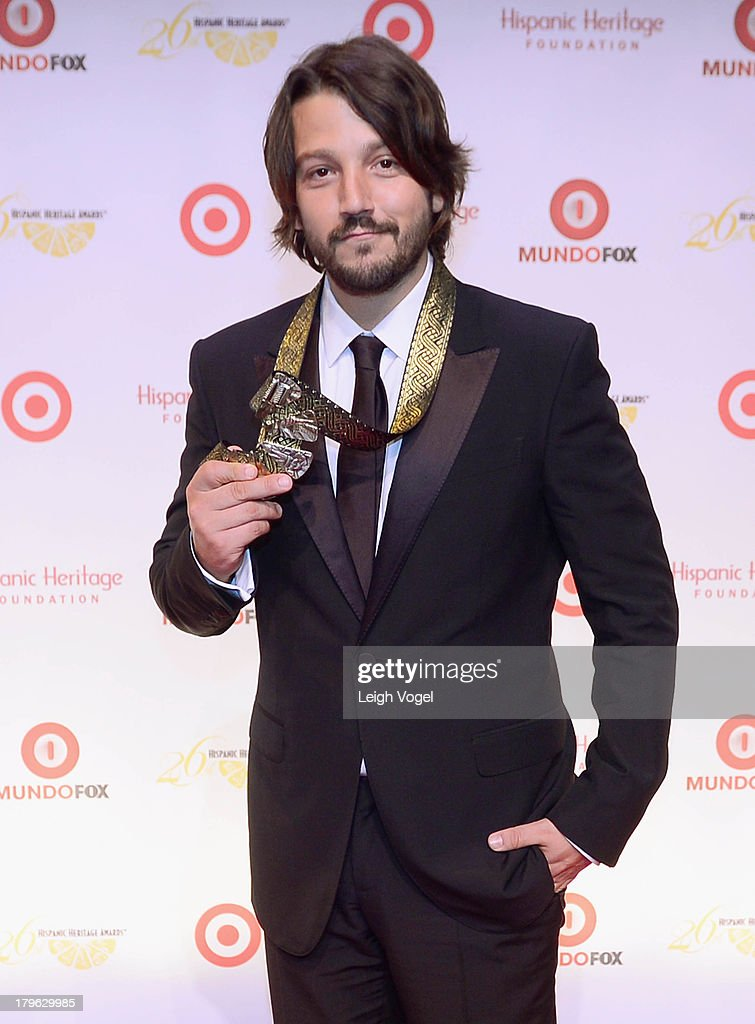 Actor/director/producer <a gi-track='captionPersonalityLinkClicked' href=/galleries/search?phrase=Diego+Luna&family=editorial&specificpeople=213511 ng-click='$event.stopPropagation()'>Diego Luna</a> receives the Inspira Award at the 26th Annual Hispanic Heritage Awards presented by Target at the John F. Kennedy Center for the Performing Arts on September 5, 2013 in Washington, DC.