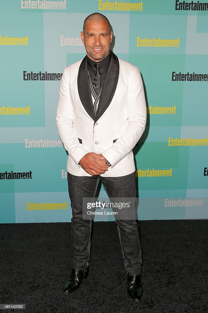 ActorManu Bennett arrives at the Entertainment Weekly celebration at Float at Hard Rock Hotel San Diego on July 11, 2015 in San Diego, California.