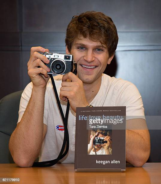 Actor/photographer Keegan Allen attends his book signing for 'lifelovebeauty' at Barnes Noble at The Grove on November 4 2016 in Los Angeles...