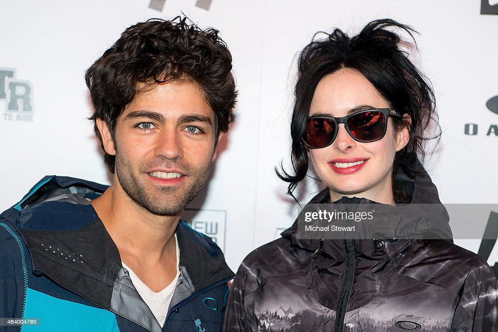 Actors <a gi-track='captionPersonalityLinkClicked' href=/galleries/search?phrase=Adrian+Grenier&family=editorial&specificpeople=211413 ng-click='$event.stopPropagation()'>Adrian Grenier</a> (L) and <a gi-track='captionPersonalityLinkClicked' href=/galleries/search?phrase=Krysten+Ritter&family=editorial&specificpeople=655673 ng-click='$event.stopPropagation()'>Krysten Ritter</a> attend Oakley Learn To Ride With AOL At Sundance Day 3 on January 19, 2014 in Park City, Utah.