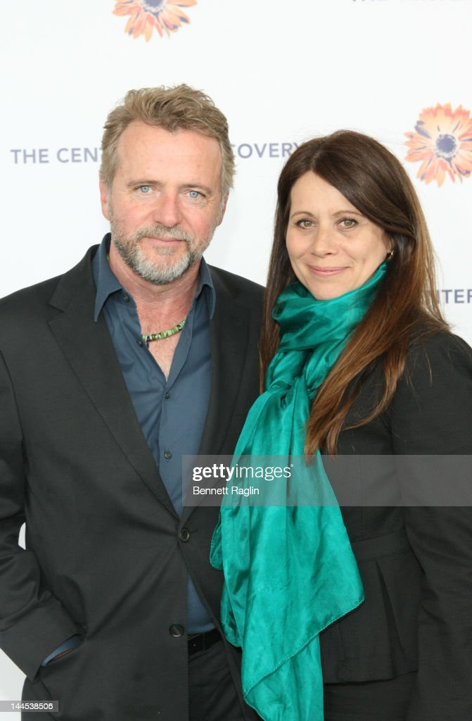 Actors <a gi-track='captionPersonalityLinkClicked' href=/galleries/search?phrase=Aidan+Quinn&family=editorial&specificpeople=171142 ng-click='$event.stopPropagation()'>Aidan Quinn</a> and wife <a gi-track='captionPersonalityLinkClicked' href=/galleries/search?phrase=Elizabeth+Bracco&family=editorial&specificpeople=838997 ng-click='$event.stopPropagation()'>Elizabeth Bracco</a> attend the 'Evening Of Discovery' Gala at Pier Sixty at Chelsea Piers on May 15, 2012 in New York City.