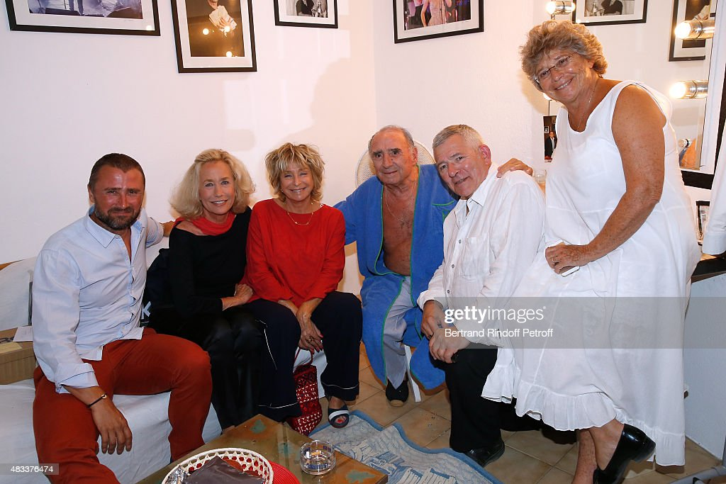 Actors Alexandre Brasseur, <a gi-track='captionPersonalityLinkClicked' href=/galleries/search?phrase=Brigitte+Fossey&family=editorial&specificpeople=587171 ng-click='$event.stopPropagation()'>Brigitte Fossey</a>, Director Daniele Thompson, Actors <a gi-track='captionPersonalityLinkClicked' href=/galleries/search?phrase=Claude+Brasseur&family=editorial&specificpeople=615483 ng-click='$event.stopPropagation()'>Claude Brasseur</a>, Yves Pignot and President of Ramatuelle Festival Jacqueline Franjou pose Backstage after the 'La colere du Tigre' Theater play during the 31th Ramatuelle Festival : Day 6 on August 6, 2015 in Ramatuelle, France.