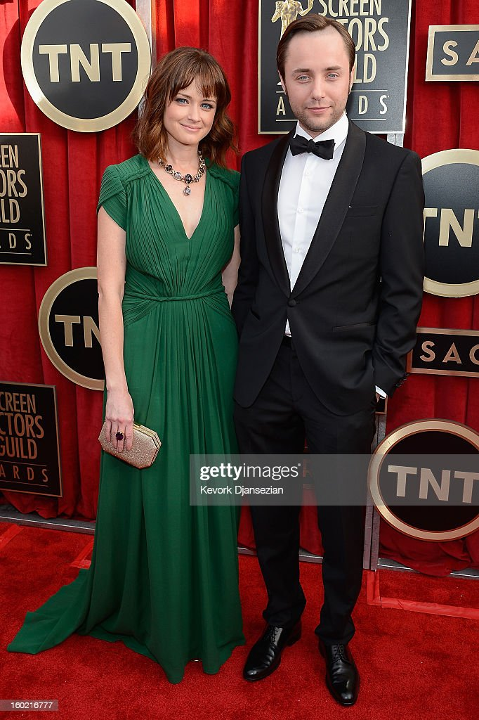 Actors Alexis Bledel and Vincent Kartheiser arrive at the 19th Annual Screen Actors Guild Awards held at The Shrine Auditorium on January 27, 2013 in Los Angeles, California.
