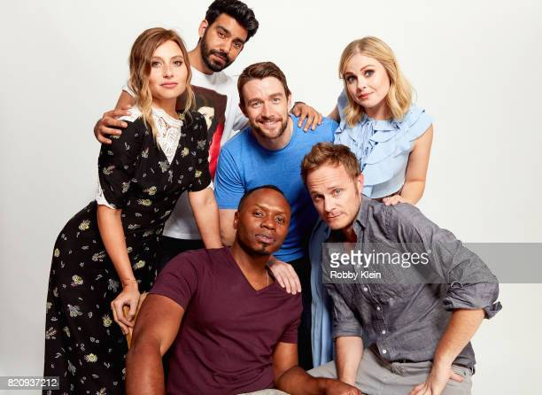 Actors Aly Michalka Rahul Kohli Malcolm Goodwin Robert Buckley David Anders and Rose McIver from CW's 'iZombie' pose for a portrait during ComicCon...