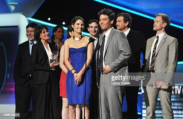 Actors Alyson Hannigan Cobie Smulders Josh Radnor and Neil Patrick Harris attend the People's Choice Awards 2012 at Nokia Theatre LA Live on January...