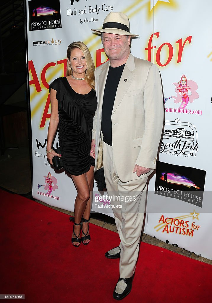 Actors <a gi-track='captionPersonalityLinkClicked' href=/galleries/search?phrase=Ami+Dolenz&family=editorial&specificpeople=700283 ng-click='$event.stopPropagation()'>Ami Dolenz</a> (L) and her father <a gi-track='captionPersonalityLinkClicked' href=/galleries/search?phrase=Micky+Dolenz&family=editorial&specificpeople=221363 ng-click='$event.stopPropagation()'>Micky Dolenz</a> (R) attend the Actors For Autism presenting Reach For The Stars honoring Joe Mantegna at Rockwell on October 2, 2013 in Los Angeles, California.