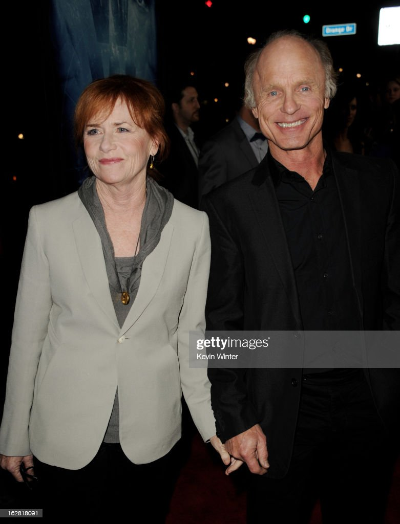 Actors <a gi-track='captionPersonalityLinkClicked' href=/galleries/search?phrase=Amy+Madigan&family=editorial&specificpeople=220590 ng-click='$event.stopPropagation()'>Amy Madigan</a> (L) and her husband <a gi-track='captionPersonalityLinkClicked' href=/galleries/search?phrase=Ed+Harris&family=editorial&specificpeople=215262 ng-click='$event.stopPropagation()'>Ed Harris</a> arrive at the premiere of 'Phantom' at the Chinese Theater on February 27, 2013 in Los Angeles, California.