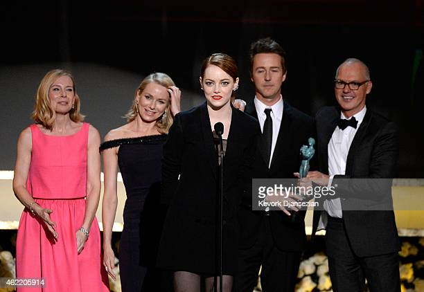 Actors Amy Ryan Naomi Watts Emma Stone Edward Norton and Michael Keaton accept the award for Outstanding Performance by a Cast in a Motion Picture...