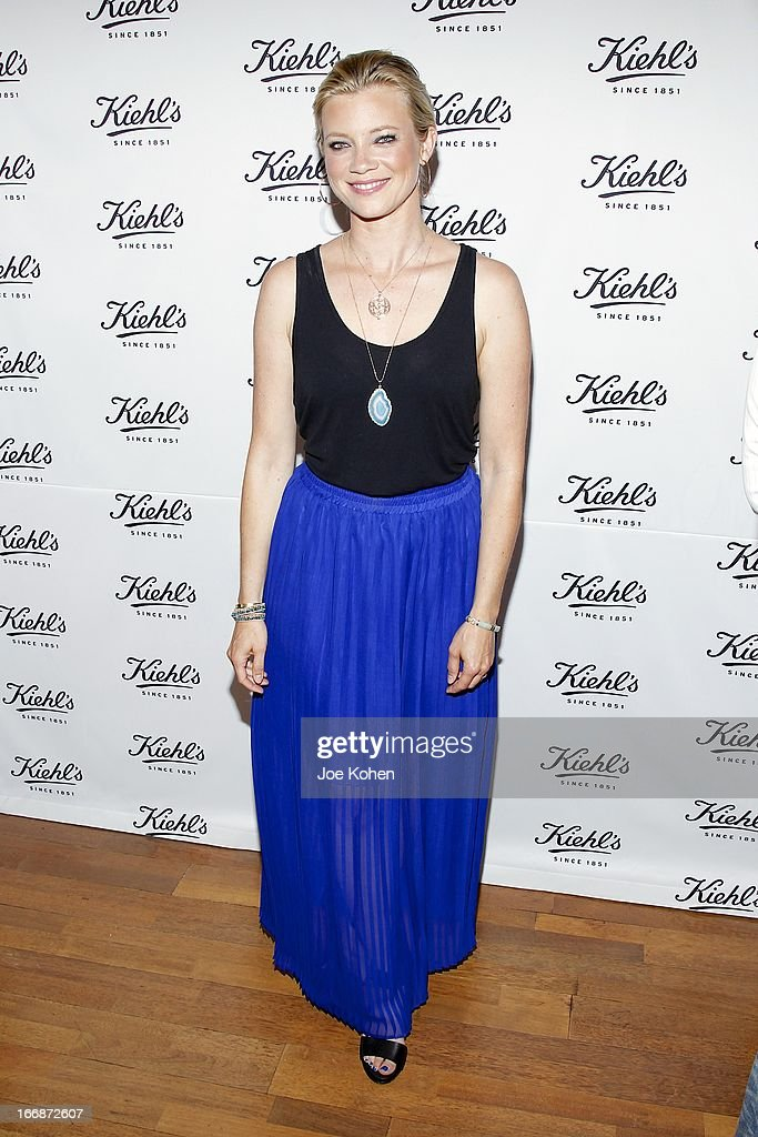 Actors Amy Smart attends Kiehl's launches environmental partnership benefiting recycle across America at Kiehl's Since 1851 Santa Monica Store on April 17, 2013 in Santa Monica, California.