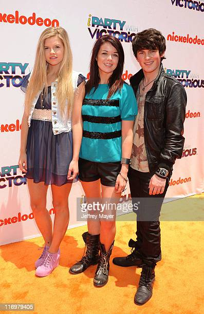 Actors Ana Mulvoy Ten Jade Ramsey and Brad Kavanagh attend Nickelodeon's 'iParty With Victorious' screening at The Lot on June 4 2011 in West...