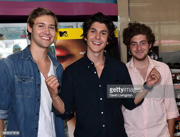 Actors and 'Finding Carter' cast members Caleb Ruminer Jesse Henderson and Jesse Carere attend the MTV's 'Finding Carter' fan event at BaskinRobbins...