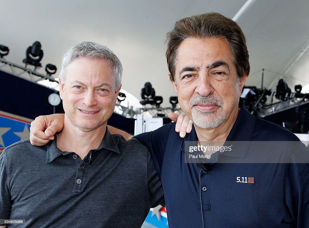 Actors and show hosts <a gi-track='captionPersonalityLinkClicked' href=/galleries/search?phrase=Gary+Sinise&family=editorial&specificpeople=208981 ng-click='$event.stopPropagation()'>Gary Sinise</a> (L) and <a gi-track='captionPersonalityLinkClicked' href=/galleries/search?phrase=Joe+Mantegna&family=editorial&specificpeople=207165 ng-click='$event.stopPropagation()'>Joe Mantegna</a> pose for a photo during the 27th National Memorial Day Concert Rehearsals on May 28, 2016 in Washington, DC.