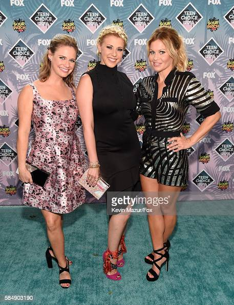 actors-andrea-barber-jodie-sweetin-and-candace-cameronbure-attend-picture-id584903190