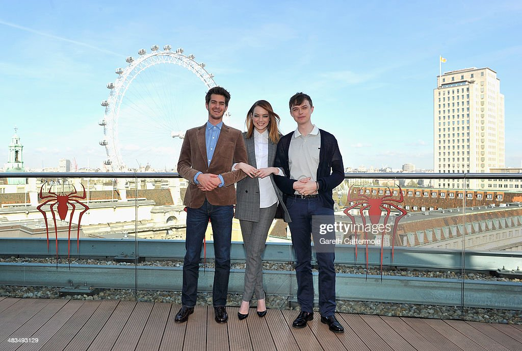 Actors <a gi-track='captionPersonalityLinkClicked' href=/galleries/search?phrase=Andrew+Garfield&family=editorial&specificpeople=4047840 ng-click='$event.stopPropagation()'>Andrew Garfield</a>, <a gi-track='captionPersonalityLinkClicked' href=/galleries/search?phrase=Emma+Stone&family=editorial&specificpeople=672023 ng-click='$event.stopPropagation()'>Emma Stone</a> and <a gi-track='captionPersonalityLinkClicked' href=/galleries/search?phrase=Dane+DeHaan&family=editorial&specificpeople=6890481 ng-click='$event.stopPropagation()'>Dane DeHaan</a> attend the Amazing Spider-Man 2 Cast and Filmmaker photocall at the Park Plaza Hotel on April 9, 2014 in London, England.