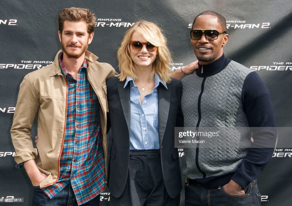 Actors <a gi-track='captionPersonalityLinkClicked' href=/galleries/search?phrase=Andrew+Garfield&family=editorial&specificpeople=4047840 ng-click='$event.stopPropagation()'>Andrew Garfield</a>, <a gi-track='captionPersonalityLinkClicked' href=/galleries/search?phrase=Emma+Stone&family=editorial&specificpeople=672023 ng-click='$event.stopPropagation()'>Emma Stone</a> and <a gi-track='captionPersonalityLinkClicked' href=/galleries/search?phrase=Jamie+Foxx&family=editorial&specificpeople=201715 ng-click='$event.stopPropagation()'>Jamie Foxx</a> pose at 'The Amazing Spiderman 2' Los Angeles Photo Call at Sony Pictures Studios on November 16, 2013 in Culver City, California.