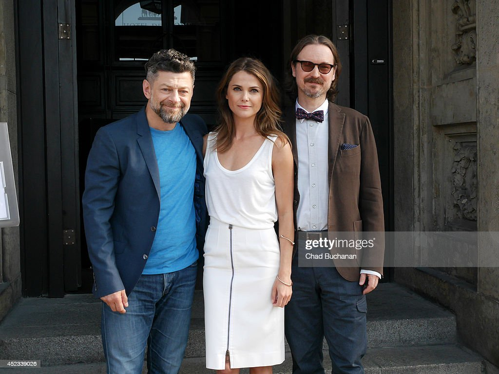 Actors <a gi-track='captionPersonalityLinkClicked' href=/galleries/search?phrase=Andy+Serkis&family=editorial&specificpeople=210893 ng-click='$event.stopPropagation()'>Andy Serkis</a>, <a gi-track='captionPersonalityLinkClicked' href=/galleries/search?phrase=Keri+Russell&family=editorial&specificpeople=203250 ng-click='$event.stopPropagation()'>Keri Russell</a> and Director <a gi-track='captionPersonalityLinkClicked' href=/galleries/search?phrase=Matt+Reeves&family=editorial&specificpeople=4821981 ng-click='$event.stopPropagation()'>Matt Reeves</a> sighted at the Hotel de Rome on July 18, 2014 in Berlin, Germany.