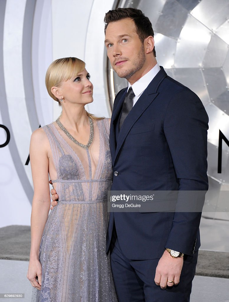 """Premiere Of Columbia Pictures' """"Passengers"""" - Arrivals"""