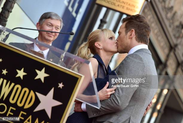 Actors Anna Faris and Chris Pratt attend the ceremony honoring Chris Pratt with a star on the Hollywood Walk of Fame on April 21 2017 in Hollywood...
