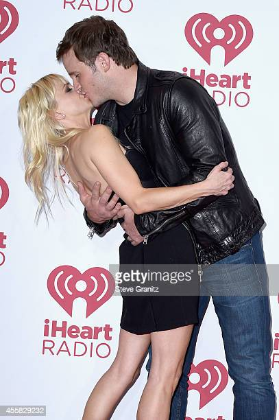 Actors Anna Faris and Chris Pratt pose in the press room during the 2014 iHeartRadio Music Festival at MGM Grand Garden Arena on September 20 2014 in...