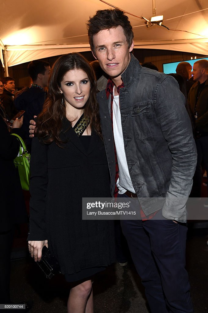 actors-anna-kendrick-and-eddie-redmayne-attend-the-2016-mtv-movie-at-picture-id520100744