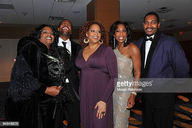 Actors Anna Maria Horsford Chris Tucker Kim Coles Dawn Lewis and Mykelti Williamson attend the 26th anniversary UNCF Mayor's Masked Ball at Atlanta...