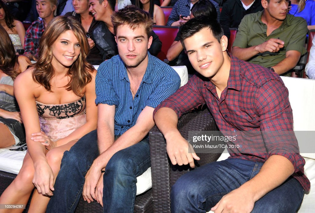 Actors Ashley Greene Robert Pattinson and Taylor Lautner attend the 2010 Teen Choice Awards at Gibson Amphitheatre on August 8 2010 in Universal City...