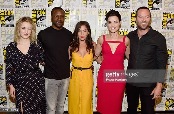 Actors Ashley Johnson Rob Brown Audrey Esparza Jaimie Alexander and Sullivan Stapleton attend 'Blindspot' Press Line during ComicCon International...
