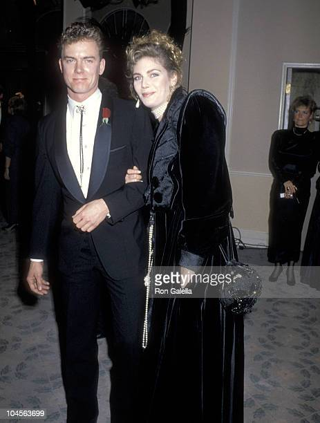 Actors Barry Tubb and Kelly McGillis attend the 43rd Annual Golden Globe Awards on January 24 1986 at Beverly Hilton Hotel in Beverly Hills California