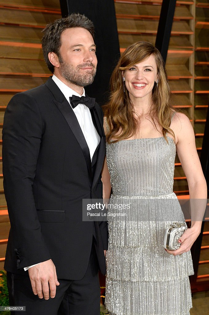 Actors Ben Affleck (L) and Jennifer Garner attend the 2014 Vanity Fair Oscar Party hosted by Graydon Carter on March 2, 2014 in West Hollywood, California.