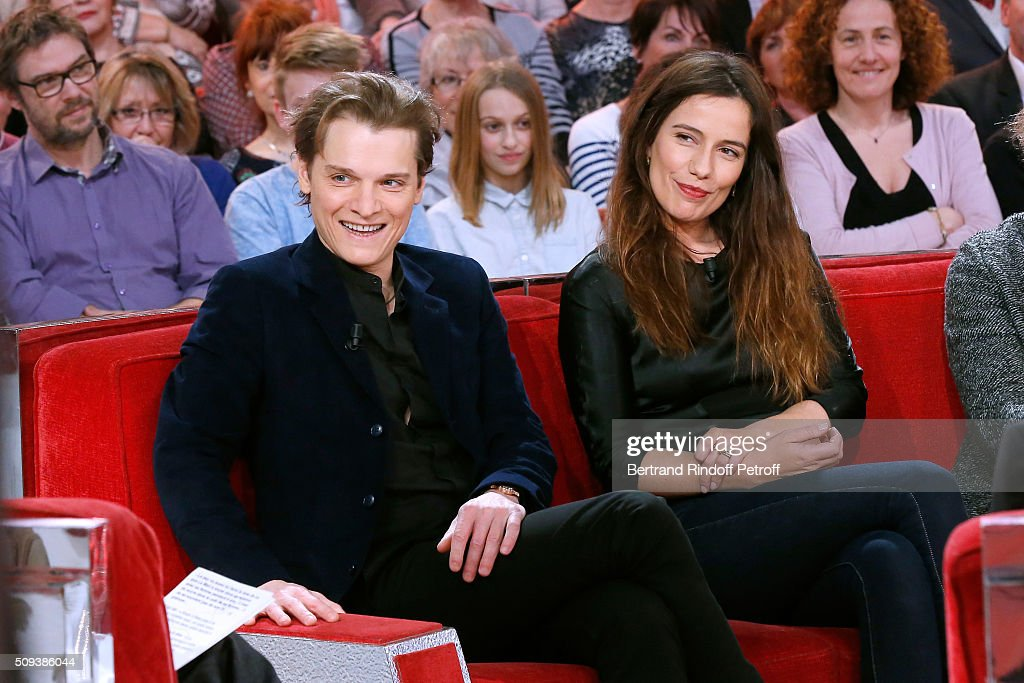 Actors Benabar and <a gi-track='captionPersonalityLinkClicked' href=/galleries/search?phrase=Zoe+Felix&family=editorial&specificpeople=538434 ng-click='$event.stopPropagation()'>Zoe Felix</a> present the Theater Play 'Je vous ecoute', performed at Theatre Tristan Bernard, during the 'Vivement Dimanche' French TV Show at Pavillon Gabriel on February 10, 2016 in Paris, France.