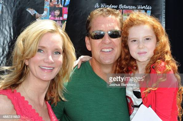 Actors Beth Littleford Reagan Burns and Francesca Capaldi attend the Window Between Worlds presents Art In The Afternoon on May 4 2014 in Venice...