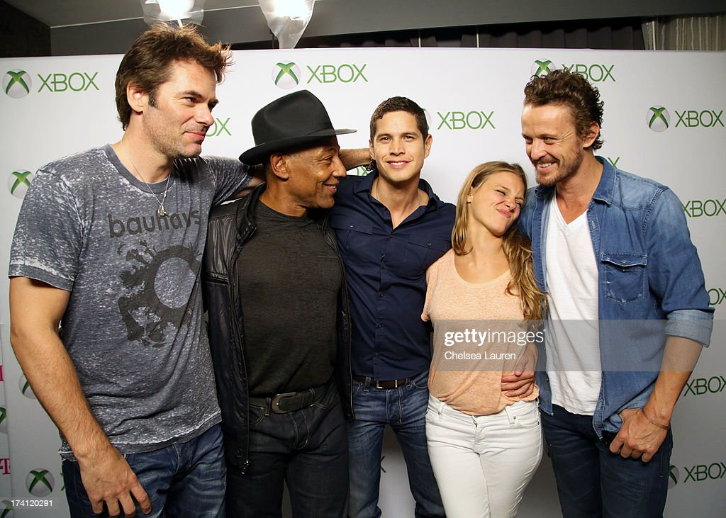 Actors Billy Burke Giancarlo Esposito JD Pardo Tracy Spiridakos and David Lyons visit Xbox One at ComicCon 2013 at the Hard Rock Hotel San Diego on...
