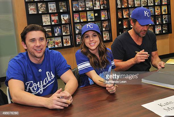 Actors Billy Flynn Kate Mansi and Greg Vaughan signing books during the Days Of Our Lives book signing at the Oak Park Mall Barnes And Noble on...