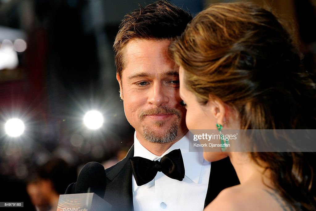 Actors <a gi-track='captionPersonalityLinkClicked' href=/galleries/search?phrase=Brad+Pitt+-+Actor&family=editorial&specificpeople=201682 ng-click='$event.stopPropagation()'>Brad Pitt</a> and <a gi-track='captionPersonalityLinkClicked' href=/galleries/search?phrase=Angelina+Jolie&family=editorial&specificpeople=201591 ng-click='$event.stopPropagation()'>Angelina Jolie</a> arrive at the 81st Annual Academy Awards held at Kodak Theatre on February 22, 2009 in Los Angeles, California.