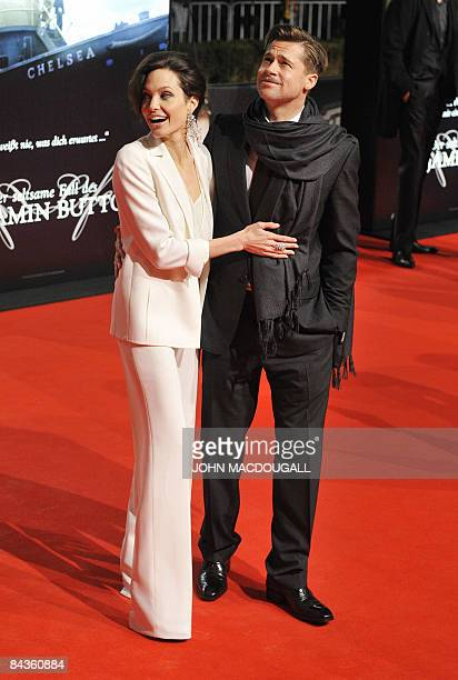 US actors Brad Pitt and Angelina Jolie pose on the red carpet for the German premiere of the film �The Curious Case of Benjamin Button� by US...