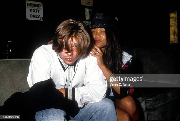 Actors Brad Pitt and Robin Givens pose for a portrait circa 1989 in Los Angeles California