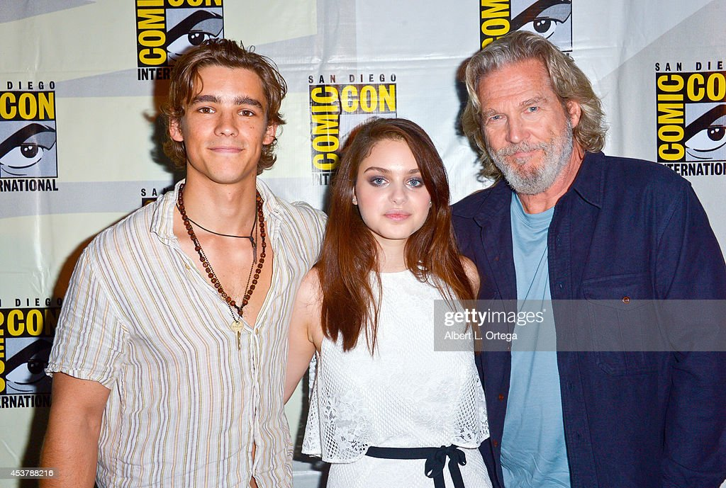 Actors Brenton Thwaites Odeya Rush and Jeff Bridges at 'The Giver' Presentation ComicCon International 2014 held at San Diego Convention Center on...
