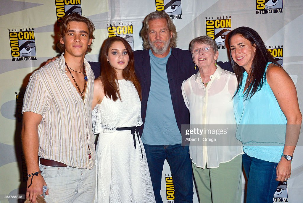 Actors Brenton Thwaites Odeya Rush Jeff Bridges author Lois Lowry and producer Nikki Silver at 'The Giver' Presentation ComicCon International 2014...