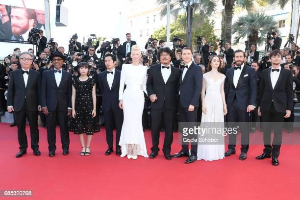 Actors Byung Heebong Giancarlo Esposito Ahn SeoHyun Steven Yeun and Tilda Swinton director Bong JoonHo and actors Paul Dano Lily Collins Jake...