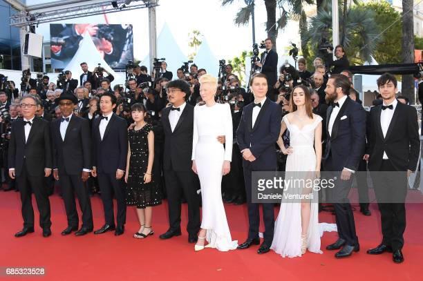 Actors Byung Heebong Giancarlo Esposito Steven Yeun and Ahn SeoHyun director Bong JoonHo and actors Tilda Swinton Paul Dano Lily Collins Jake...