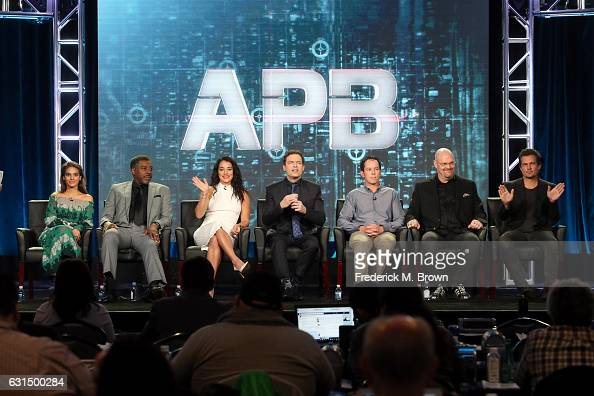 Actors Caitlin Stasey Ernie Hudson Natalie Martinez and Justin Kirk Executive producers Matt Nix and Trey Callaway and Executive producer/director...