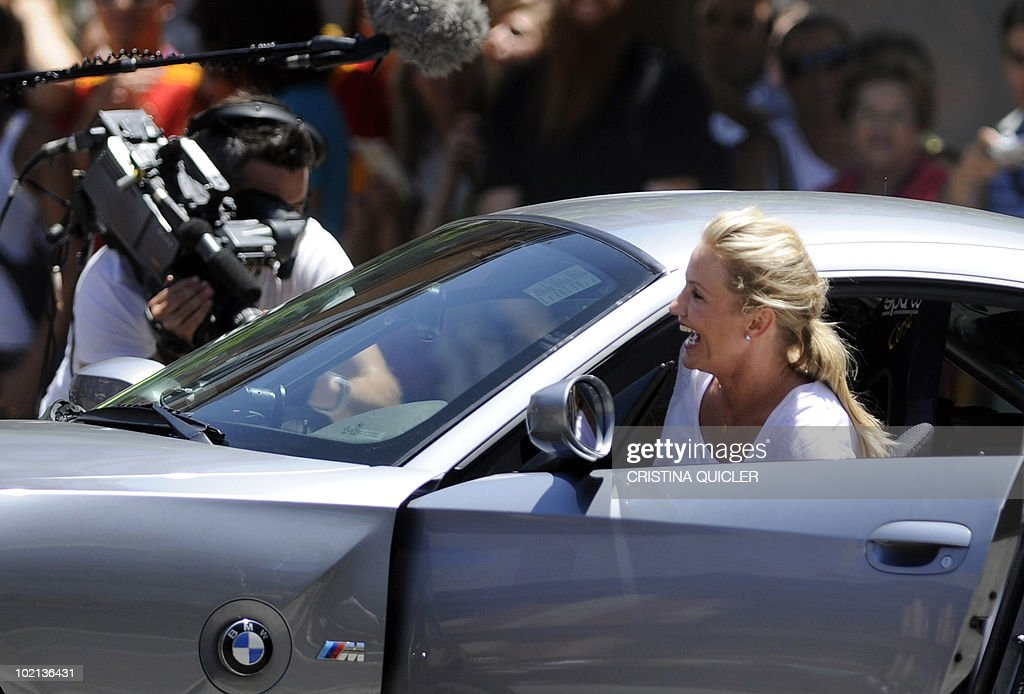 US actors Cameron Diaz prepares to recreate scenes from the film 'Knight and Day' by US director James Mangold in Sevilla on June 16, 2010. US actors Tom Cruise and Cameron Diaz are in Sevilla to attend the international premiere of Mangold's new film.